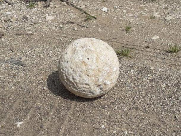 La roca balística específica que un ladrón arrepentido devolvió a través de un tercero. (Clara Amit / IAA)