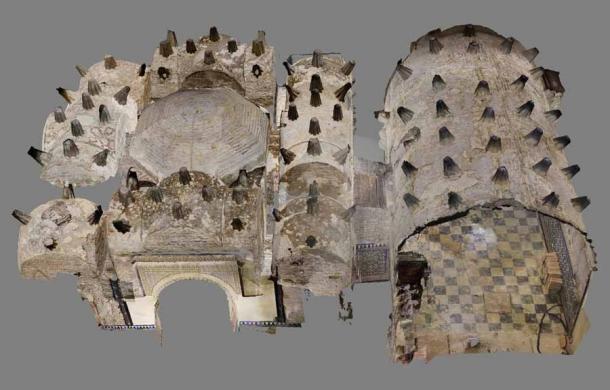 Para comprender la estructura de la casa de baños de Sevilla, la arqueóloga Margarita de Alba ha recurrido a la fotografía para recrear el aspecto de esta casa de baños en el siglo XII. (Margarita de Alba)