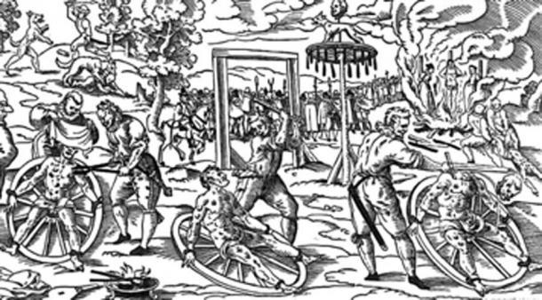 Se han descubierto otros cuerpos torturados, que han soportado la rueda de la tortura. (Tasja ~ commonswiki / Dominio público)