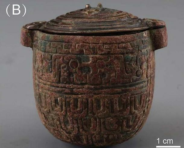 El frasco de bronce en el que se encontró la crema facial de 2.700 años. (Han et al. / Arqueometría)
