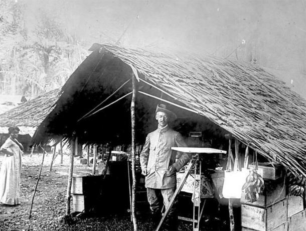 Agrimensor alemán, Camerún, 1884 (CC BY-SA 3.0)