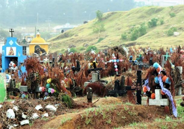 Cementerio de San Juan Chamula. (© georgefery.com)