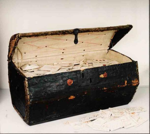 Baúl Brienne: baúl de cartas del siglo XVII legado al museo postal holandés en La Haya. (Crédito: Desbloqueo del grupo de investigación de historia)