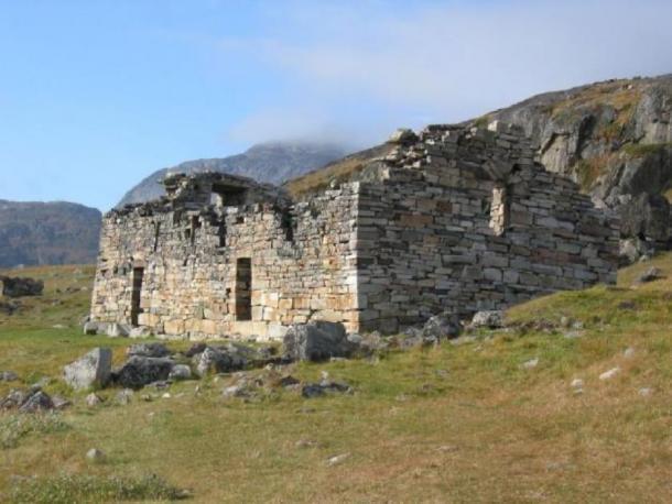 Ruinas de la iglesia del asentamiento oriental de Groenlandia nórdica. Crédito: JH Barrett