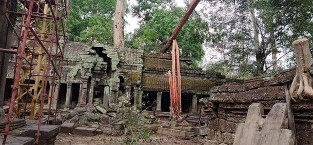 El complejo en Angkor Wat parece no haber sido dañado por los árboles caídos. (Knongspor)