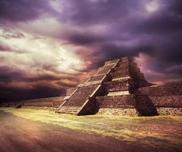 Foto compuesta de una pirámide azteca, no un lugar real. (fergregory / Adobe Stock)