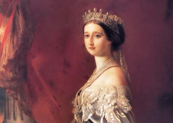 Corona de la emperatriz Eugenia, se usaron joyas de la corona para hacer el anillo de compromiso para el matrimonio de élite de Jean-Christophe Napoleon Bonaparte y Olympia von und zu Arco-Zinnerberg. (Mmxx / Dominio público)