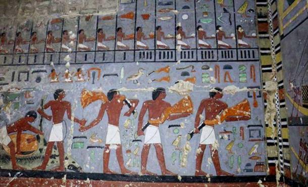 Detalle de la decoración del muro que se encuentra en la antecámara. (Hana Vymazalová)