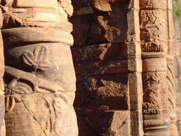 Detalles de las tallas a lo largo de las paredes (Scabuzzo, F / CC BY NC-ND 2.0)