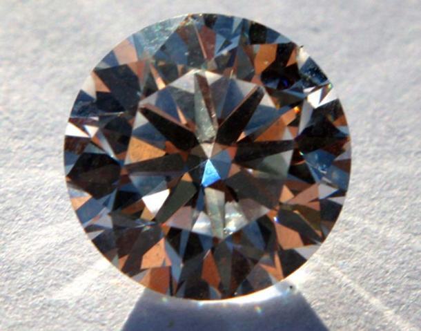 """Los """"diamantes conmemorativos"""" son restos humanos convertidos en un diamante. (roger blake / CC BY-SA 2.0)"""