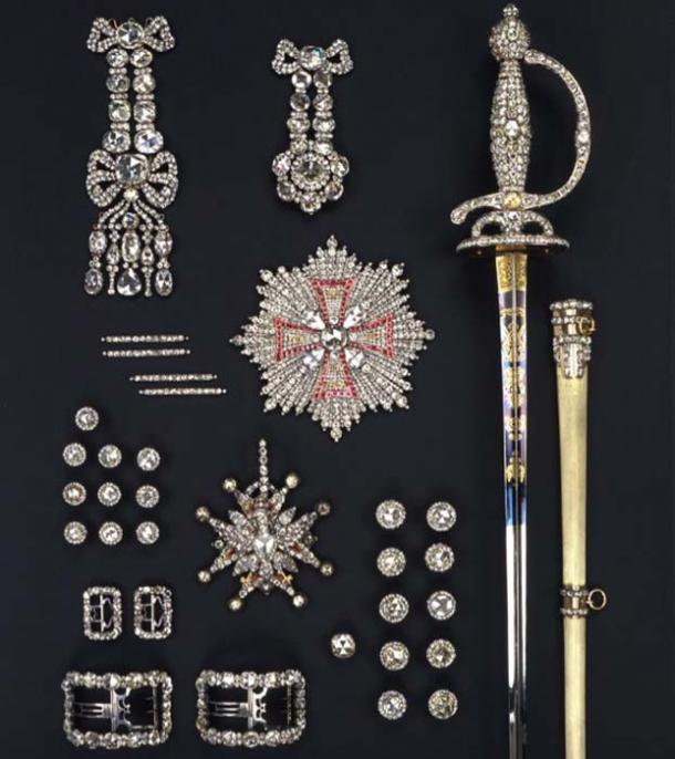 El conjunto de rosas de diamantes de 1719 se almacenó en la Bóveda Verde. (Jürgen Karpinski / © SKD)