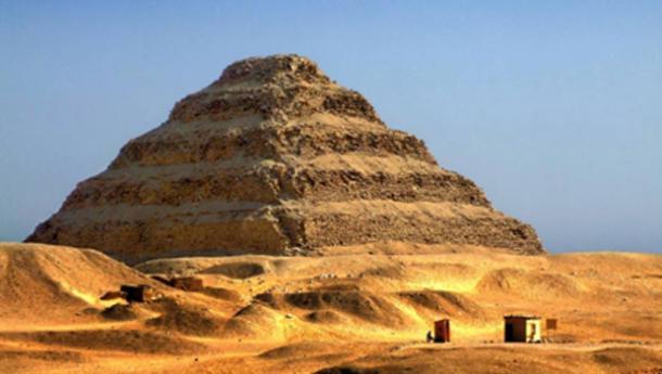 Paso de la pirámide de Djoser en Saqqara. (BigStockPhoto)