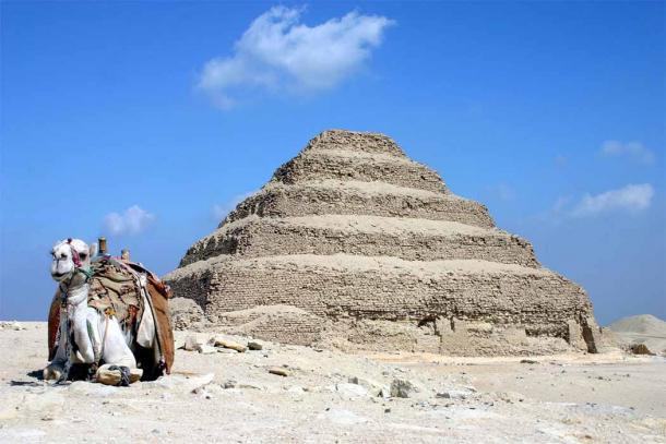 En su tiempo, Khaemweset restauró la famosa pirámide de Djoser. (Charles James Sharp CC BY-SA 3.0)