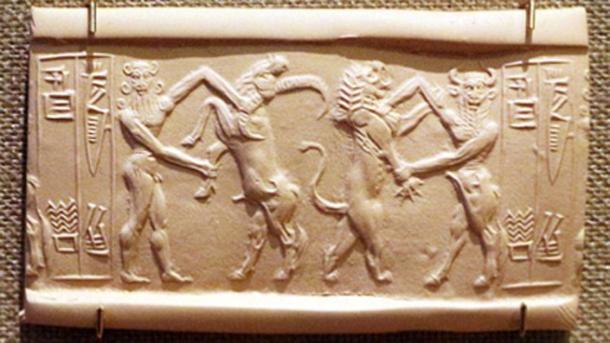 Ea luchando con un búfalo de agua y Enkidu peleando con un león. (Sailko / Dominio público)