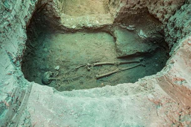 Uno de los primeros descubrimientos de entierros de este año (2020) en el sitio de Tepe Ashraf y también un hallazgo extremadamente valioso. (Teherán Times / CC BY 4.0)