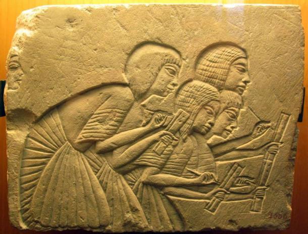 Cuatro antiguos escribas egipcios del período de Amarna. (Sailko / CC BY SA 3.0)