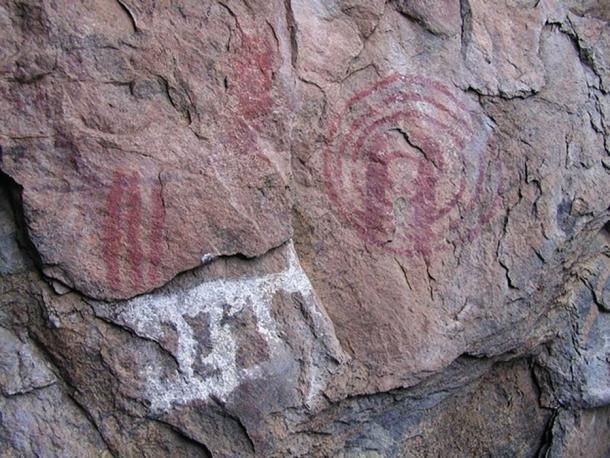 El arte paleolítico de la roca, similar al arte figurativo de la cueva en los Balcanes. (Eric00000007 / CC BY-SA 3.0)