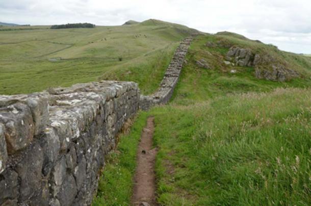 El Muro de Adriano es un ejemplo de colonización que impactó el medio ambiente. (Butko / CC BY-SA 2.0)