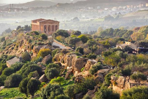 El Templo de la Concordia, Valle de los Templos (crocicascino/ Adobe Stock)