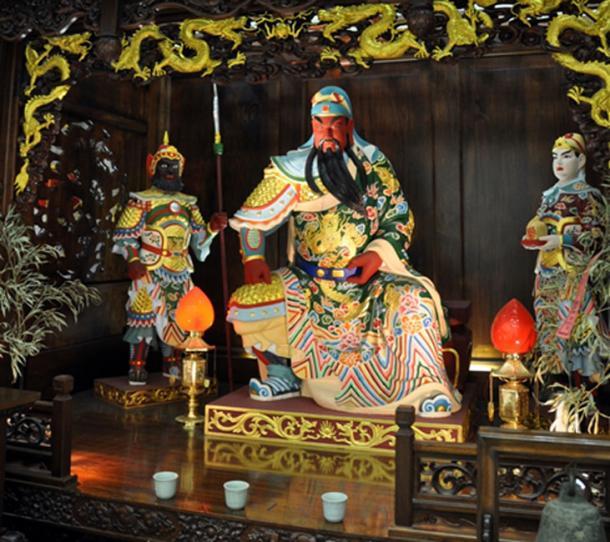Estatua de Kong Jia del emperador en un templo chino. (Aethelwolf Emsworth / CC BY-SA 2.0)