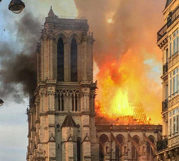 En abril de 2019 se produjo un incendio en Notre Dame de Paris y gran parte del techo y la torre del edificio fueron destruidos. (Ralf Roletschek / CC BY-SA 4.0 )