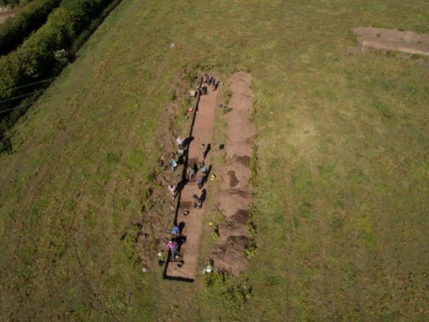 En el sitio de excavación del monasterio de Aebbe, el equipo descubrió huesos que se remontan a los siglos VII a IX. (Maiya Pina- Dacier / DIGVENTURES / AERIAL-CAM)