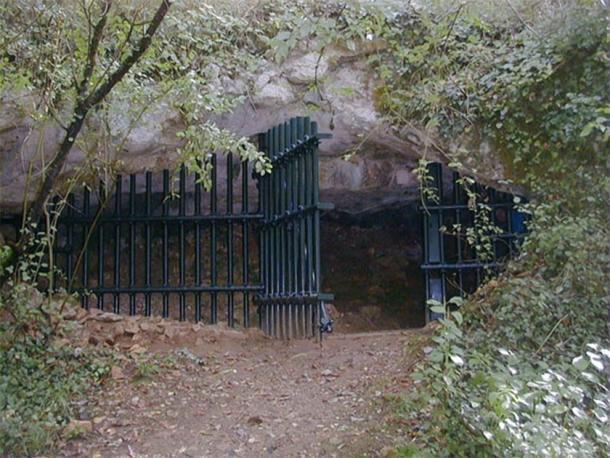 Entrada a la cueva Grotte de Cussac en Dordoña, Francia (Padawane / CC BY-SA 2.5)