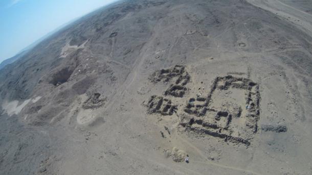 Este sitio en Wadi el-Hudi se remonta a unos 3,900 años y alberga un asentamiento en un valle entre dos colinas y una mina de amatista. (Expedición Wadi el-Hudi)
