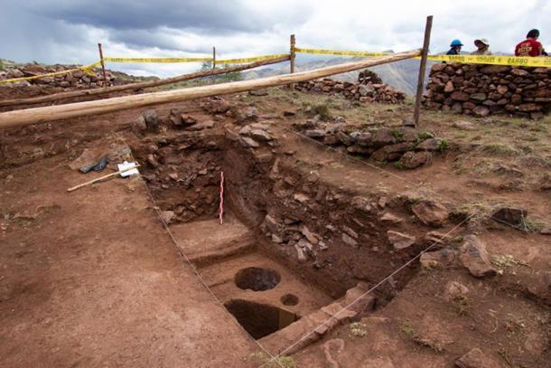 Las excavaciones en la esquina sureste de la plaza principal de Pikillaqta. (DDC Cusco)