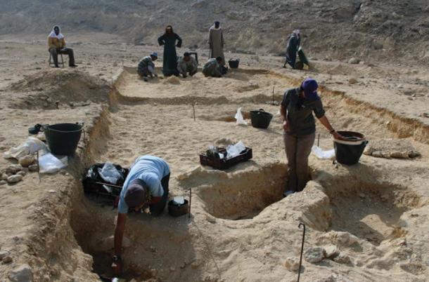 Excavaciones en el Cementerio Tumbas del norte en 2017 (imagen cortesía del Proyecto Amarna a través de Antiquity Publications Ltd)