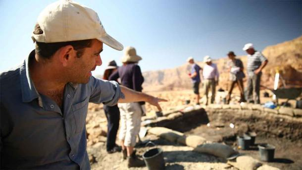 Excavando la colina de los esclavos. (Sagi Bornstein, cortesía del Proyecto Central Timna Valley)