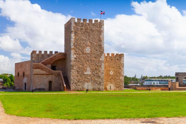Fortaleza Ozama exterior (evannovostro / Adobe Stock)