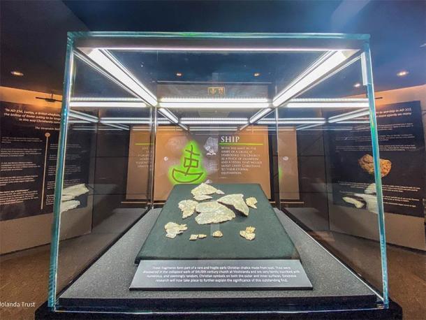 Fragmentos del cáliz del siglo V encontrados cerca del Muro de Adriano. Crédito: The Vindolanda Trust