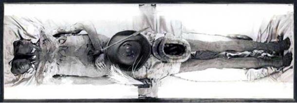 Imagen de cuerpo entero del cuerpo de Kap Dwa. (CC BY SA)