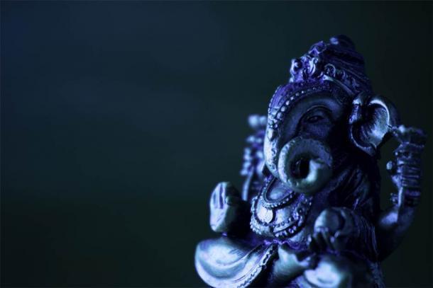 Ídolo de Ganesha en bronce (RP Anand kumar / Adobe Stock)