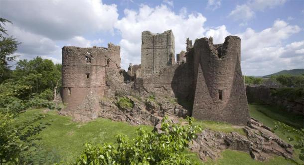El castillo de Goodrich en Herefordshire se ha visto muy afectado por la detección ilegal de metales. (David Hughes / Adobe Stock)