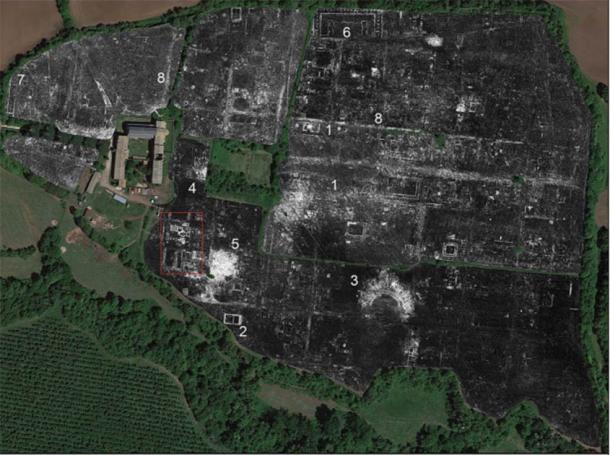 Tiempo de GPR, a una profundidad estimada de 0.80–0.85m. (Fotografía aérea: Google Earth; imagen de L. Verdonck / Antiquity Publications)