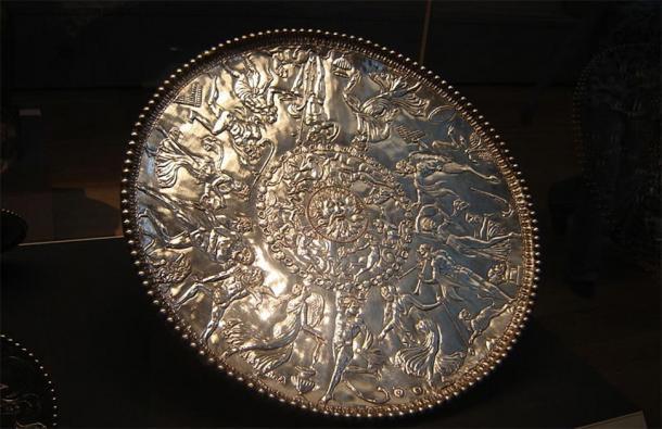 El gran plato de Baco en el Tesoro de Mildenhall; tomado en el Museo Británico. (Yo, Estel / CC BY-SA 3.0)