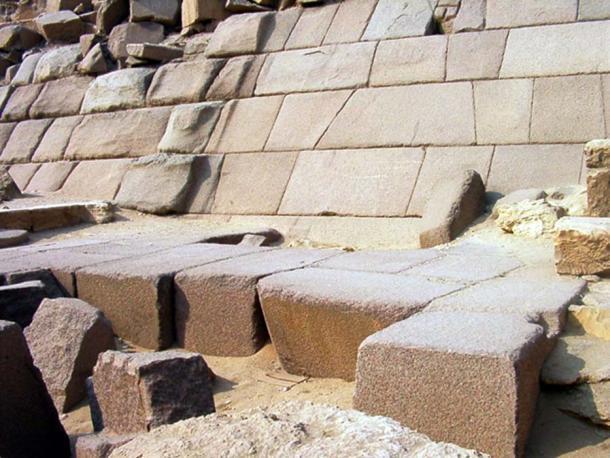 Piedras de granito de la pirámide de Menkaure. (JMCC1 / CC BY-SA 4.0)