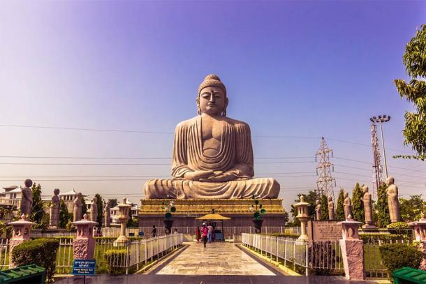 Estatua del Gran Buda en Bodh Gaya, India (rpbmedia / Adobe Stock)