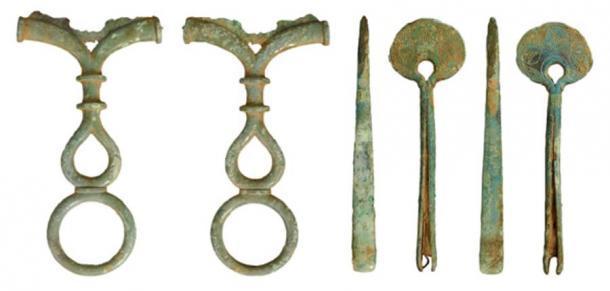 Un mango de espejo de la edad de hierro y un par de pinzas fue otro hallazgo de 2020. (Museo Británico)