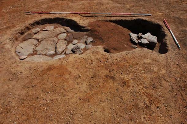 Horno forrado en piedra y material de rastrillo en el campamento de marcha romano. (GUARDIA Arqueología / Fair Use)