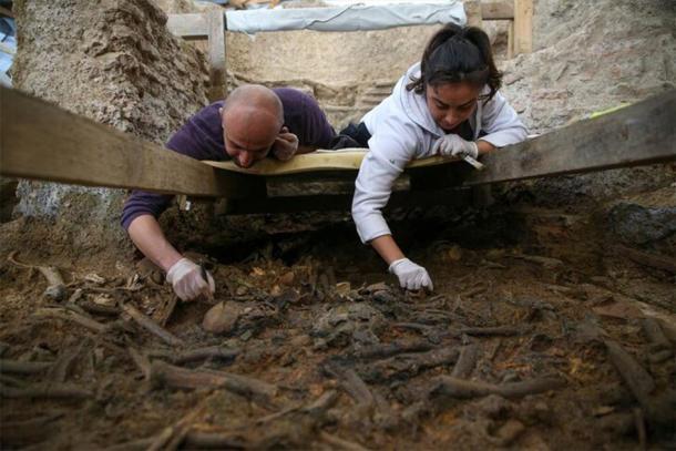 Los restos humanos y los artefactos se recolectaron de muchas capas arqueológicas que demuestran diferentes épocas. (HABERTURK)