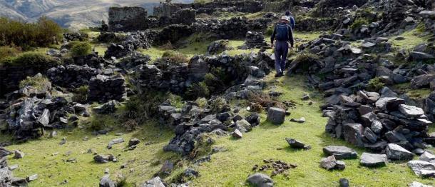 Terrazas incas inexploradas encontradas en Choquecancha en un posible camino a Paititi. (Equipo de investigación de Paititi)