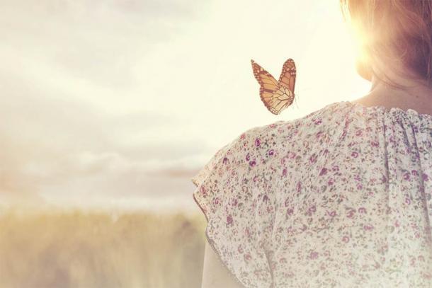 La mariposa se asocia a menudo con el momento de la muerte y nuestra liberación del cuerpo. (Cristina Conti / Adobe Stock)