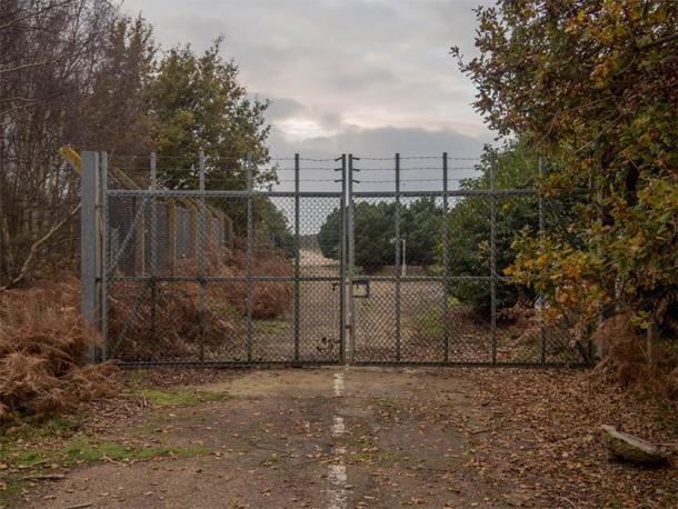 The East Gate en RAF Woodbridge, donde comenzó el incidente OVNI del bosque de Rendlesham. (Taras Young / CC BY-SA 4.0)