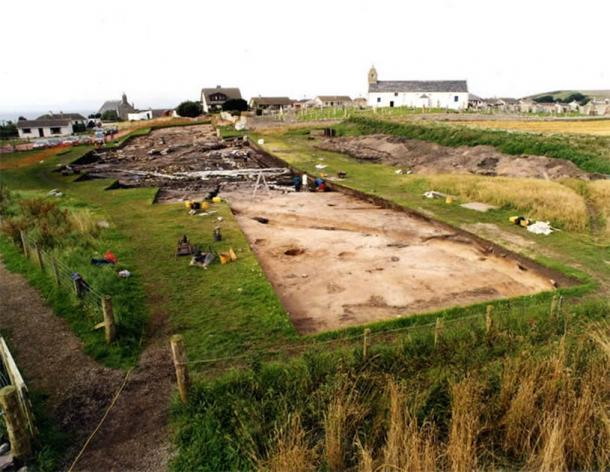 Área de excavación alrededor de la iglesia de St Colman, Portmahomack. (Herencia FAS)