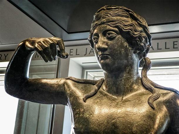 Estatua de bronce de un joven Dioniso del período helenístico. (Mary Harrsch / CC BY-NC-SA 2.0)