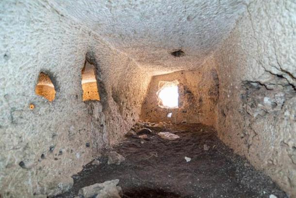 Las cámaras egipcias recién descubiertas no están decoradas. (Ministerio de Turismo y Antigüedades)