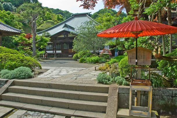 La sala principal del templo Kaizo-ji, Kamakura. La sala principal (Tarourashima / Public domain)